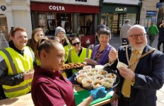 Paul Denham Mayor of Worcester Feeding 100 people